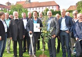 Symbolischer Spatenstich: Obstmuseum für Landesgartenschau